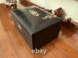 Antique Vintage Bakelite Poker Chip Set In Original Oak Box W Brass Decorations