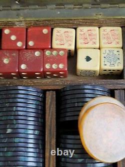 Bakelite casino set poker set traveling set everything vintage tested Ap gaming
