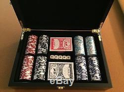 Brand New 300 PC 11.5g Chips Club Design Poker Set 2 Deck Of Cards 5 Dice