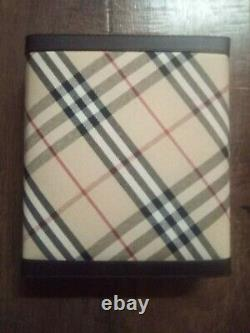 Burberry poker set in good condition