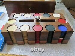 Fine Vintage Poker Chip Set Clay/ Bakelite Inlaid Walnut Box with Caddy-EXC