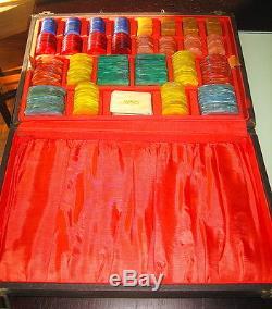RARE Vintage Casino Gaming European Poker Chip Set 446 Chips / Plaques Case Keys