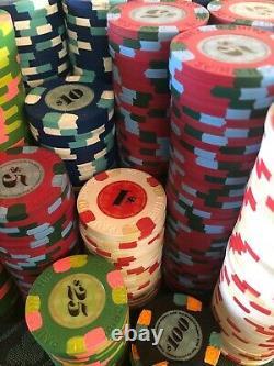 Set of 700 Paulson Classic Poker Chips