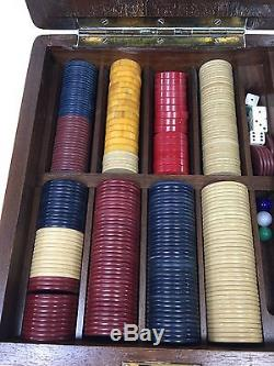 Vintage Antique Poker Set Bakelite Clay Wooden Box Dice Marbles Casino LV20