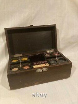 Vintage Clay Poker Chip Set in Latched Wood Box with Ten Dice Die Antique