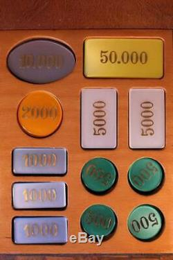 Vintage Wood & Leather Boxed Casino Poker Chips Plaques Markers & Card Set