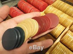 Vintage bakelite Poker Chip Set, Original Case Complete 383 gaming Chips