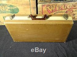 Vintage poker chip set in case Bakelite 300 pc set
