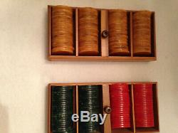 Vtg 196 Bakelite Poker Chips Set with Box/Case Red, Green, Butterscotch Gaming LOWE