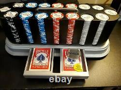 World Series Of Poker Set Of Poker Chips (READ DESCRIPTION)